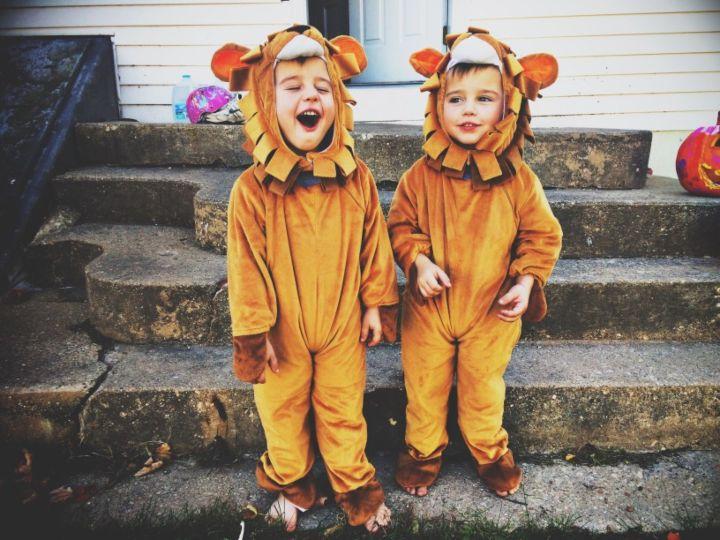 Kids roar